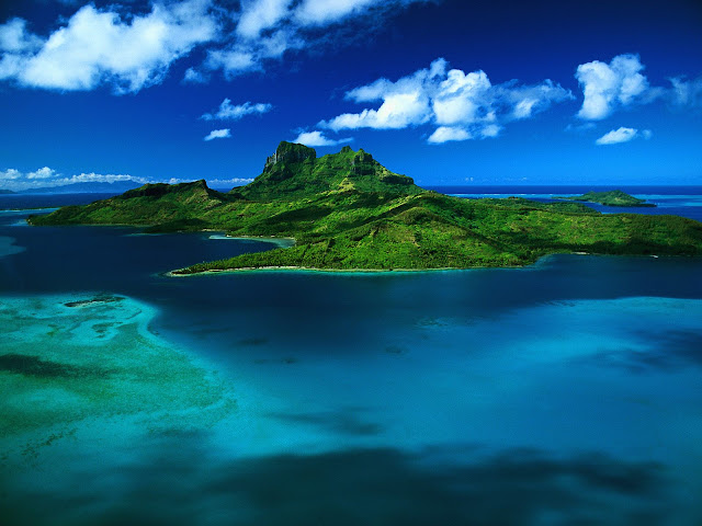 Aerial%20View%20of%20Bora%20Bora%20%2C%20French%20Polynesia