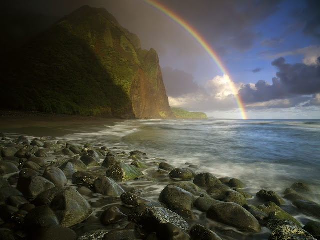 Rainbow%20Over%20Wailau%20Beach%2C%20Molokai%2C%20Hawaii