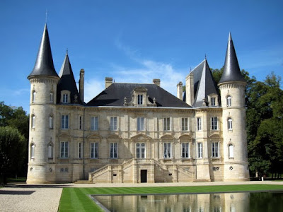 Chateau at the Medoc Marathon