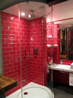 Hoxton Hotel bathroom