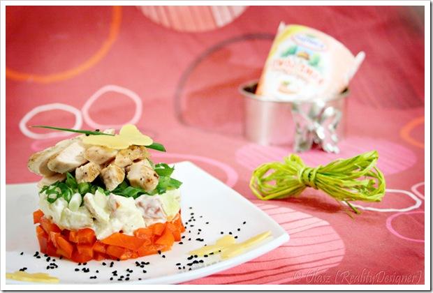 Sałatka z kurczakiem i sosem łososiowym