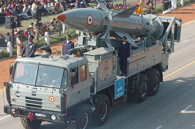 Nulear-capable Prithvi Short Range Ballistic Missile Wallpaper [Air Force variant]