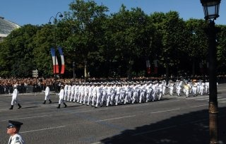 20110313-Indian-Soldier-France-March-past-Wallpapers-02-TN