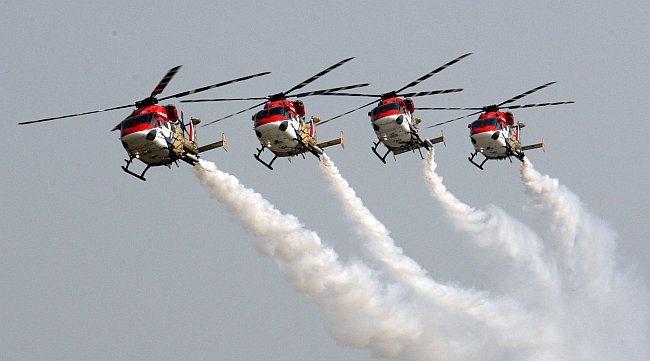20110309-IAF-Sarang-Helicopter-Wallpaper-09-TN