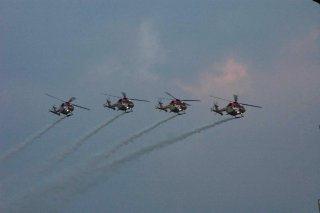 20110309-IAF-Sarang-Helicopter-Wallpaper-03-TN