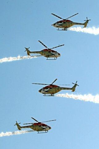 20110309-IAF-Sarang-Helicopter-Wallpaper-18-TN