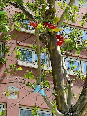 Frenchies Paris Tree Paris In Tree Shoefiti Shoefiti Frenchies In qprp4Ont