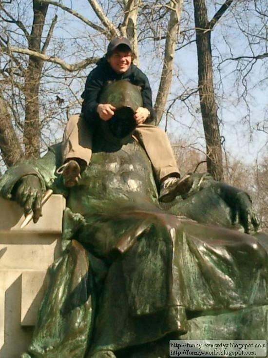 statue (9)