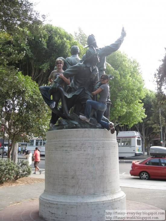 statue (17)
