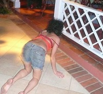 Amy Winehouse Crawling Begging for Drinks photo