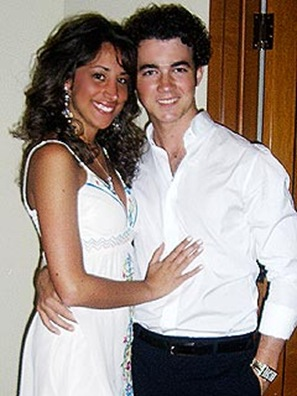 kevin jonas and his girlfriend