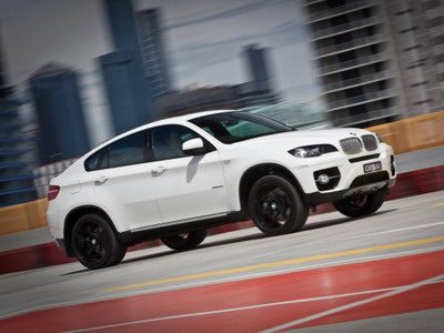 BMW has developed package M Sport for models X6 xDrive35i and xDrive50i