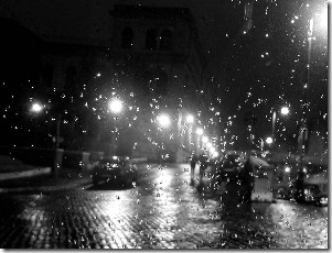 """""""La notte in questione (come nel più classico dei romanzi) era buia e tempestosa..."""""""