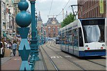 Para movernos por Ámsterdam usamos el transporte público,