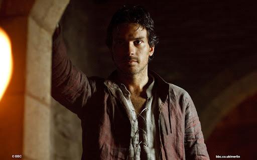 Santiago Cabrera is Lancelot