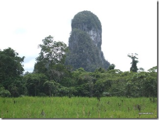 limestone_hills_of_Tebakang 4
