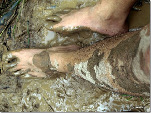 Trekking_on_muddy_trails_01