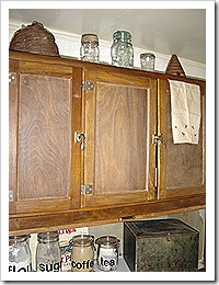 prim cupboards 032
