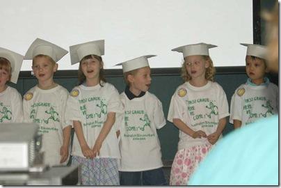2009_0527_Brenna_kindergartengraduation-3