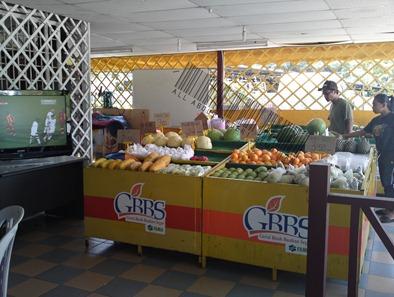 fruty-stall
