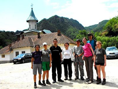 Cozia. Poza de grup la Manastirea Turnu
