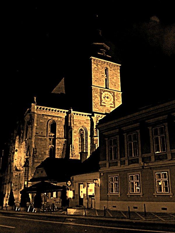 Noaptea pe strazile Brasovului. Biserica Neagra
