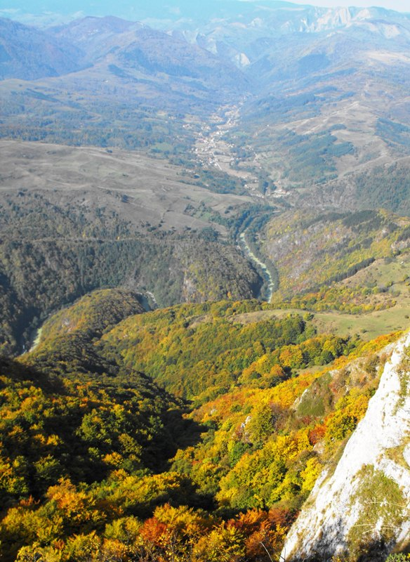 Belvedere in Trascau: Valea Ariesului