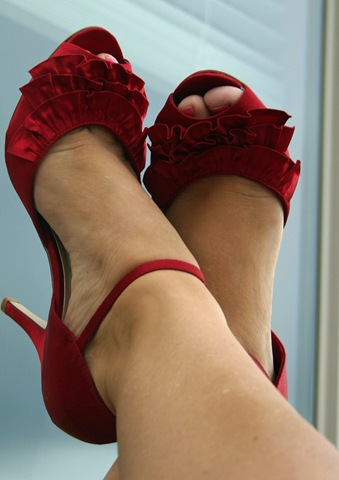 [red shoes 1[2].jpg]