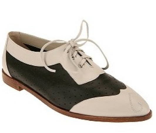 CandelaNYC_ Duel-Tone Oxford_UO.jpg