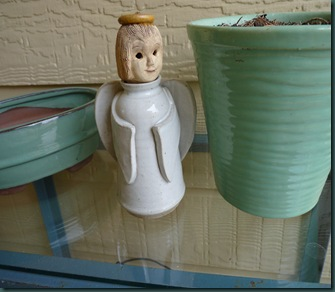 March 2010 Angels & empty pots 032
