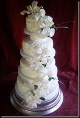 4-tier-Asantia-lillies-cake