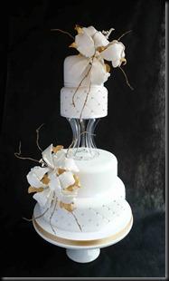 4-tier-Asantia-Lillie-Cake-with-Cushion-side-design