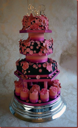 3-tier-Black-and-pink-wedding-cake