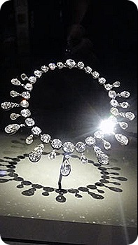 napoleon-diamond-necklace