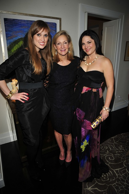 Paloma Contreras, Karen Klopp, Kelly Moore==
