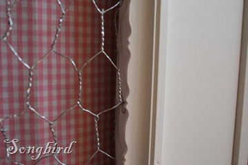 Cupboard makeover detail chicken wire2