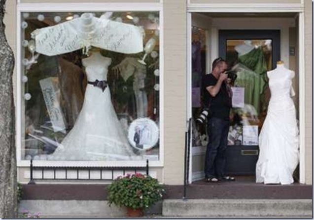 chelsea wedding 8 w gown