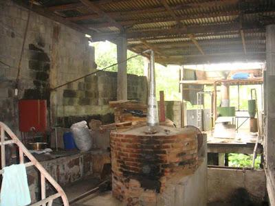 http://lh3.ggpht.com/_GJLImLZvcJc/SgqoBpFiMSI/AAAAAAAADiQ/zvsbEkQfcUw/s400/distiller.JPG