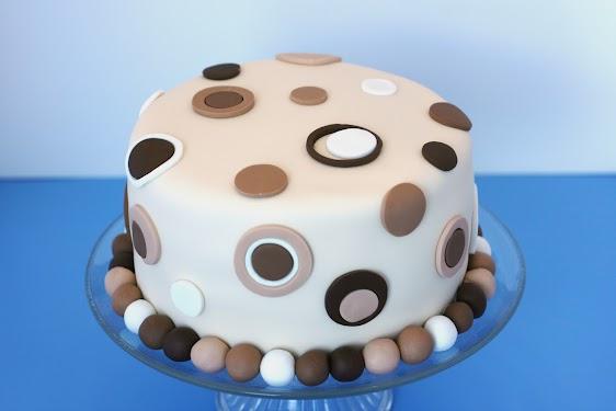25 Final Cake.jpg