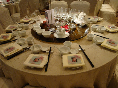 The table setting for the guests. & My Solitaire Wedding: Banquet - Hilton