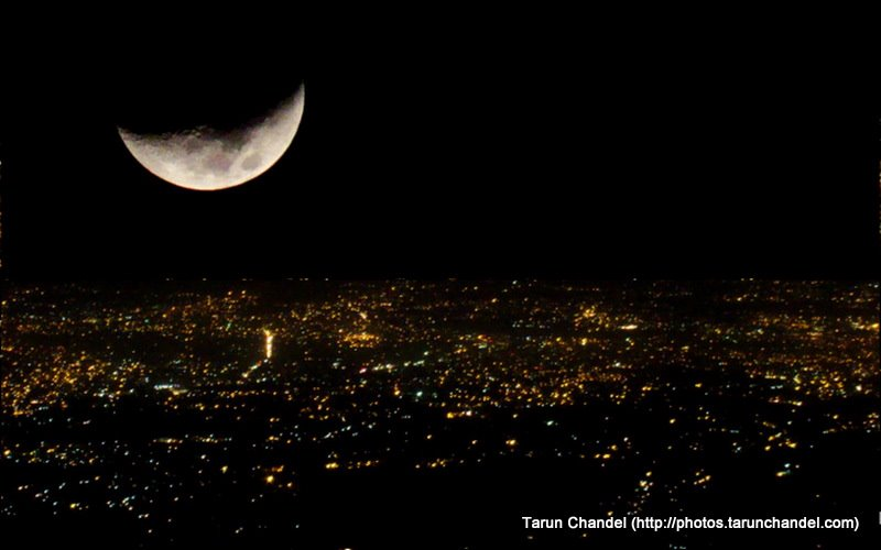 Moon and the City, Tarun Chandel Photoblog