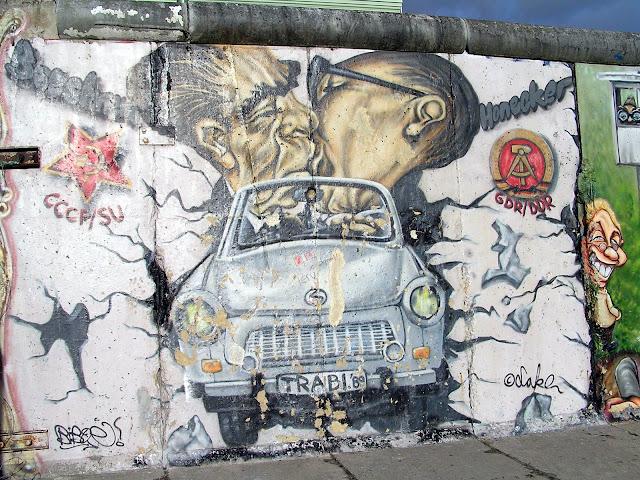 ☭ LA HUELLA SOCIALISTA SOVIETICA EN BERLIN ALEMANIA ☭ 099%20-%20Graffiti%20Recogiendo%20el%20Momento