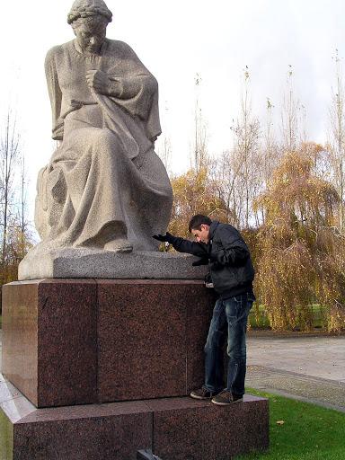 ☭ LA HUELLA SOCIALISTA SOVIETICA EN BERLIN ALEMANIA ☭ 107%20-%20La%20Madre%20Rusia%20e%20Iv%C3%A1n