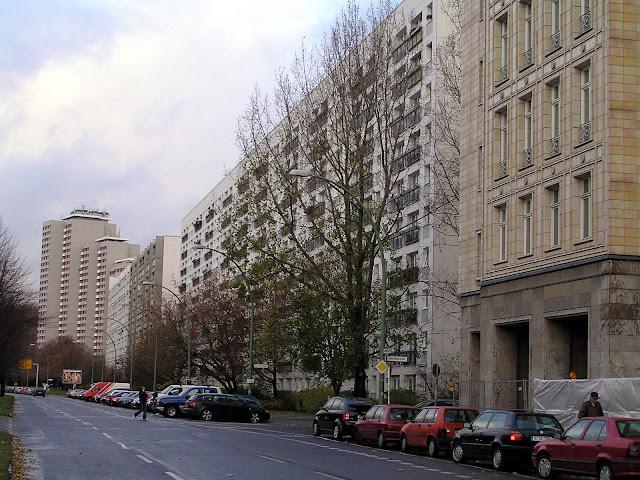 ☭ LA HUELLA SOCIALISTA SOVIETICA EN BERLIN ALEMANIA ☭ 138%20-%20Otra%20Vista%20de%20Karl%20Marx%20Alee