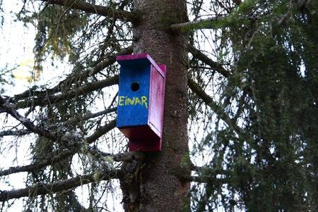 Her bor Einar