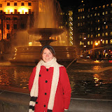 En nöjd Sara på Trafalgar Square