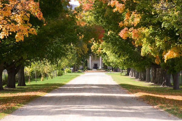 Daly-Mansion-fall-colors-2