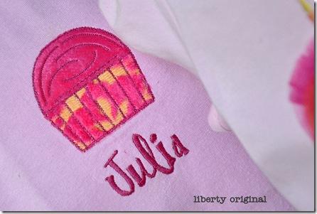 Avery Cupcake Julia