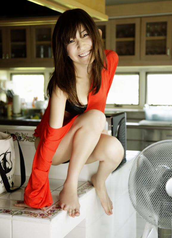 洋服が素敵な神谷梨絵さん