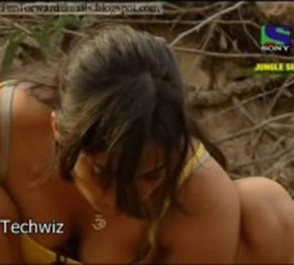Sweta tiwari sexy bikini photo showing big boobs
